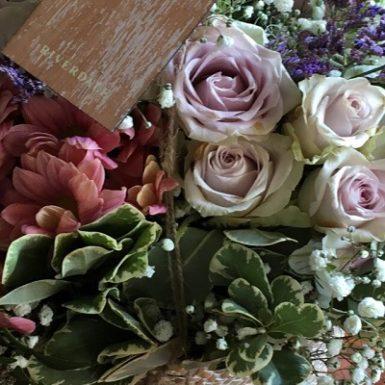 Ramo de flores Monica H. Rosety Masajes Quiromasaje